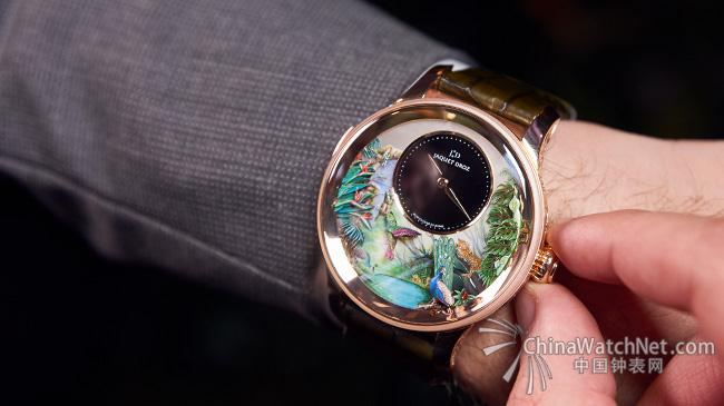 Jaquet-Droz_J033033200_Tropical-Bird-Repeater_OnWrist_650x365.jpg