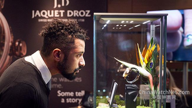 Jaquet-Droz_J033033200_Tropical-Bird-Repeater_PeopleShowcase_02_650x365.jpg