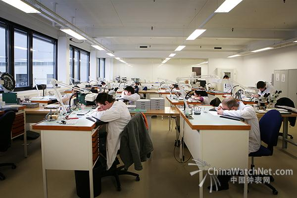 Frederique_Constant_Watchmaking_Workshops_2006.jpg
